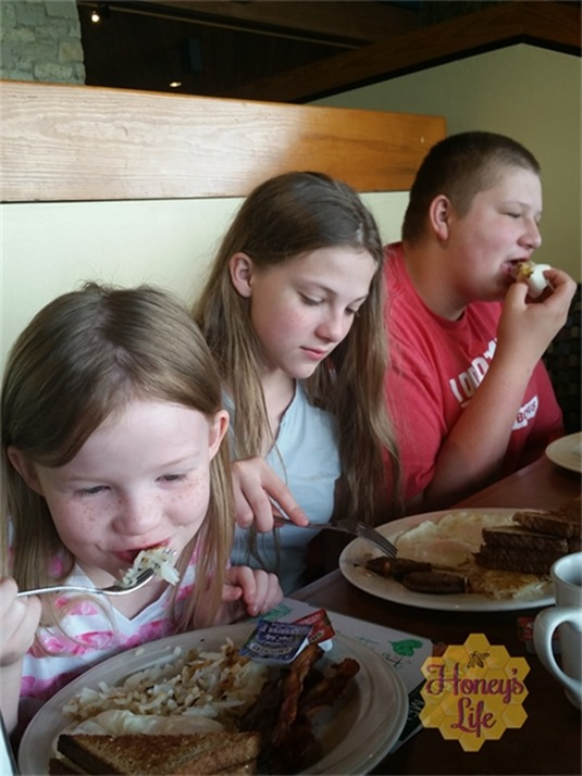 Kiddos Eating Breakfast at Ohio State Deer Run Creek and Lodge